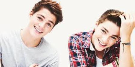 Keegan et Austin Grant.