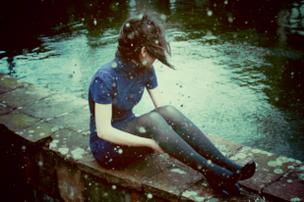 « Il devrait y avoir prescription pour le chagrin. Un code stipulant que se réveiller tous les matins en pleurant n'est admis que pendant un mois. » Ma vie pour la tienne
