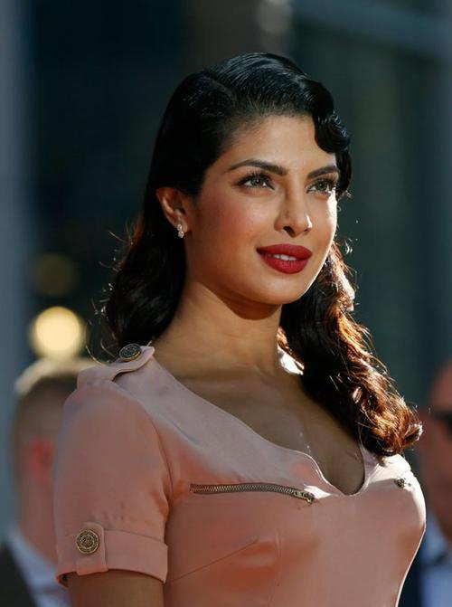 """Fashion du jour = Priyanka Chopra à L'avant première du film """" Planes """""""