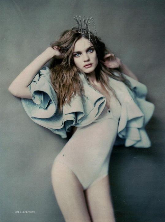 Souvenez-vous: Vogue Russie Mars 2008 par Paolo Roversi et Steven Meisel (2)