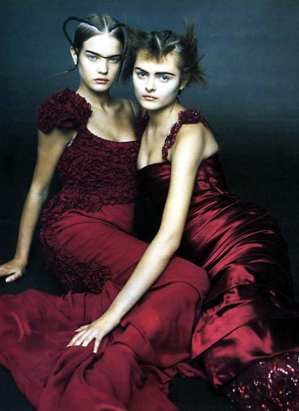 Souvenez-vous: Vogue Italie Septembre 2001 (Paris fascination) par Paolo Roversi