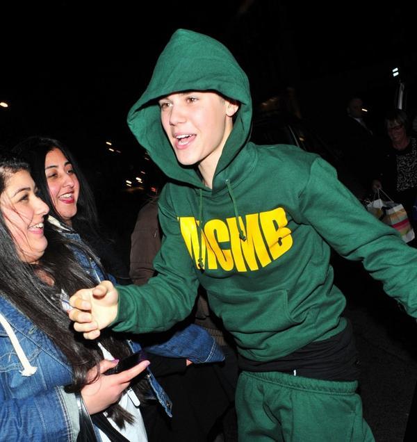 Justin-bieber-underwear sagging