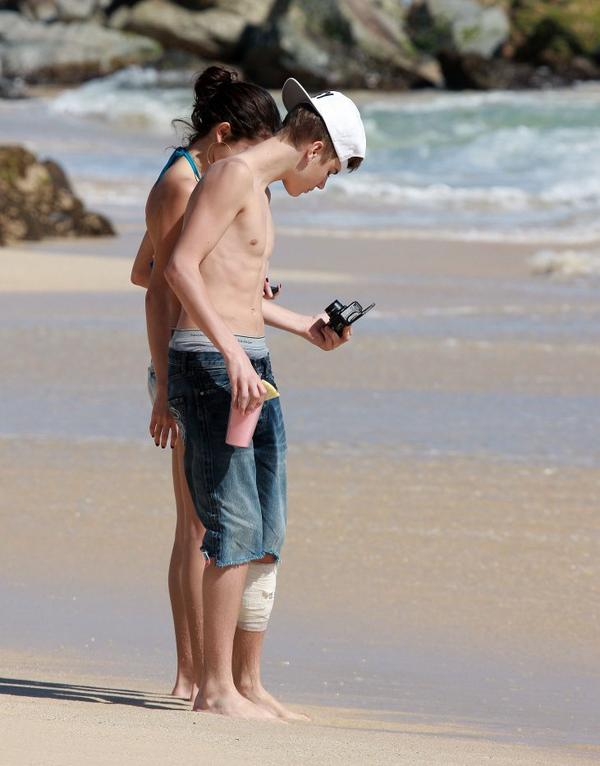 Justin-bieber-underwear sur la plage 3