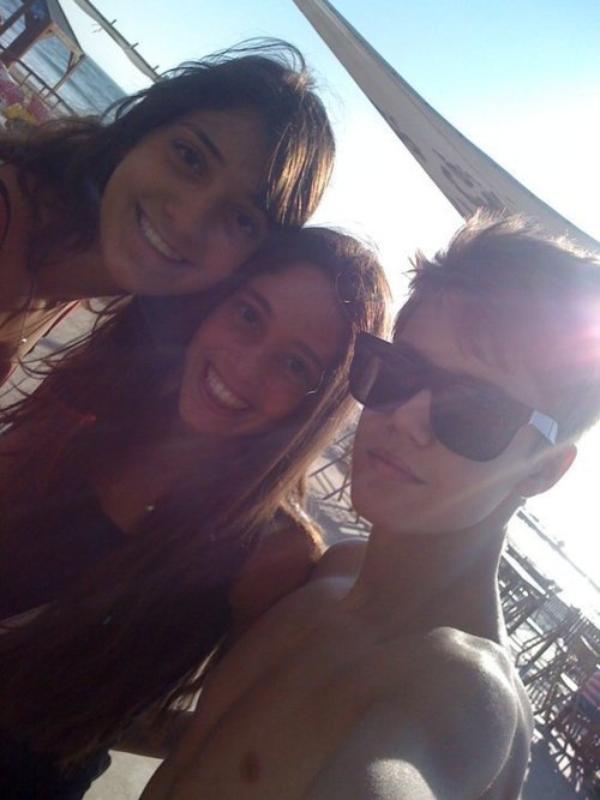 Justin à la plage SEXY !!!