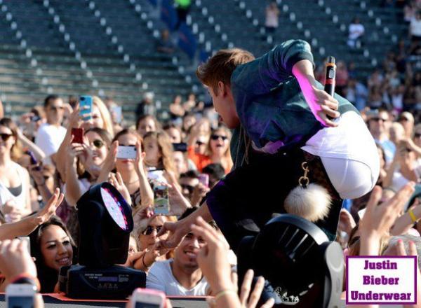 Boxer blanc SEXY de Justin Bieber !!!