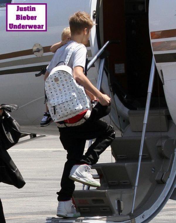 Justin Bieber en boxer rouge = So SEXY !!!