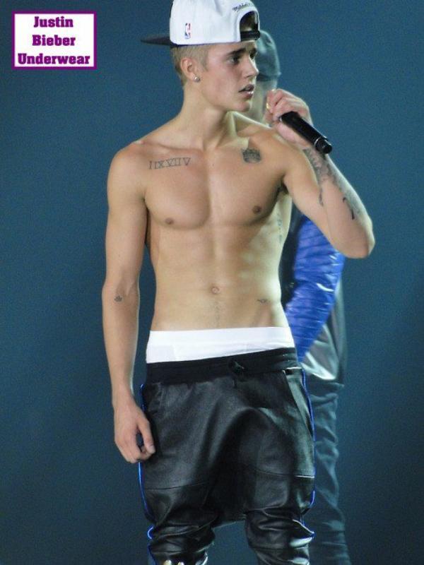 Justin Bieber Hyper SEXY pendant son show à San Diego !!!