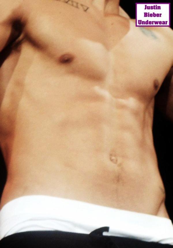 Je vous souhaite de très bon Biebergasm avec de nouvelles photos SEXY de Justin sur scène !