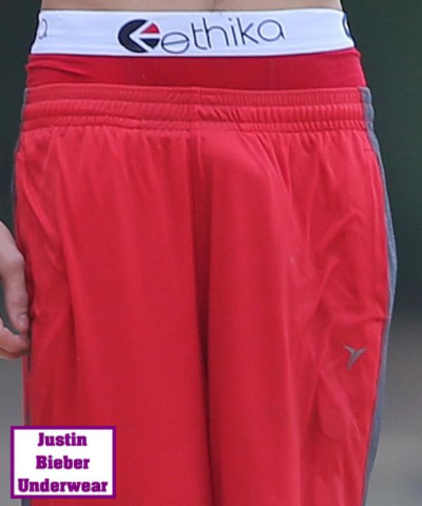 Justin Bieber Hyper SEXY à la plage !!! (Boxer Rouge)