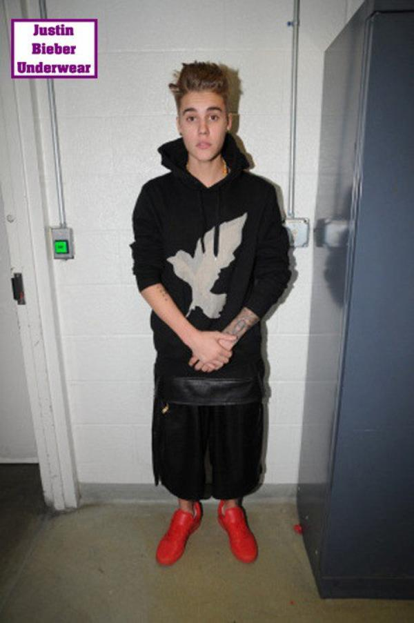Les photos SEXY de Justin au poste de police !