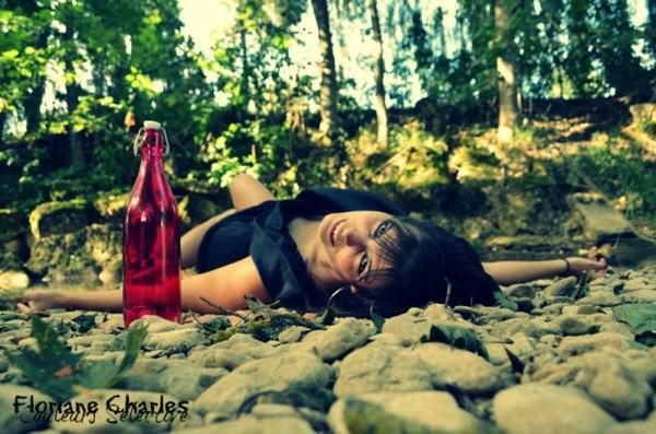 """"""" Une bouteille a la mer. """""""