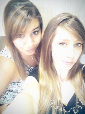 Une meilleure amie c'est comme une soeur ... Elle en n'est la preuve ! <3