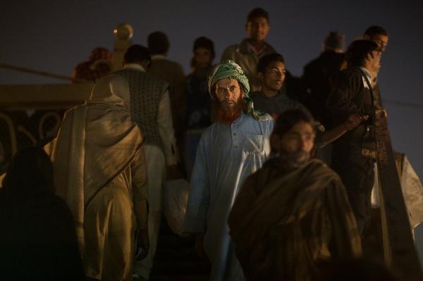 ) D'après Abu Hurayra «  Lorsque l'un d'entre vous combat son semblable qu'il évite de toucher le visage car Dieu a créé Adam a sa ressemblance » Muslim Authentique