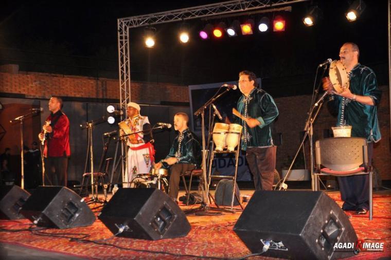 في اطار الموسو الثقافي المغربي الفرنسي 2012 نظمت القنصلية الفرنسية باكادير سهرة فنية احيتها مجموعة اودادن بمسرح الهواء الطلق اكادير يوم السبت 26 ماي 2012