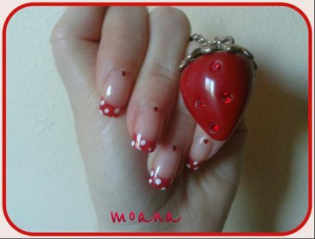 Nail art rouge a pois blanc