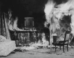 Barjavel, prend garde au briquet.