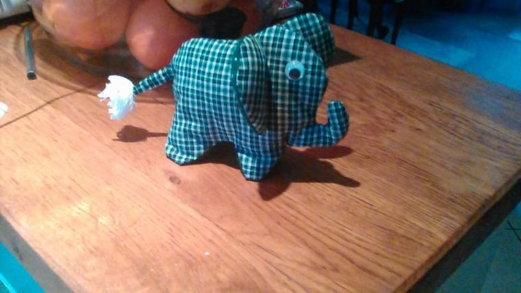 pas très contente de mon éléphant