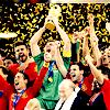 « Campeones, los españols son los mejores. Depuis le temps qu'on attendait ça... » ♫