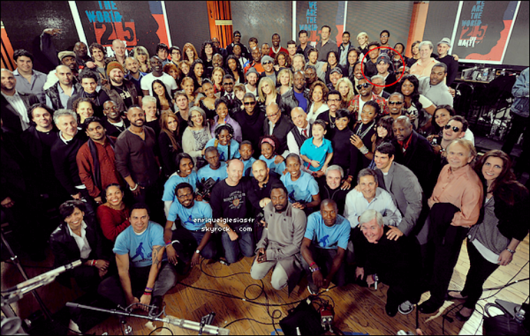 . Mardi 01 Février 2010 : Enrique a l'enregistrement de We are the world for Haiti suite au séisme en haiti.___Flashback .