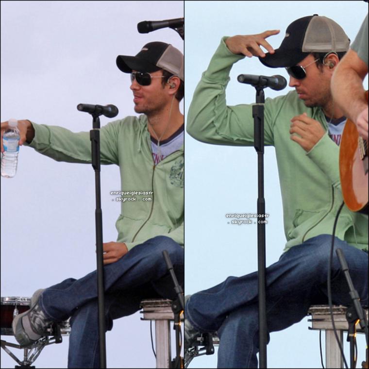 """. Vendredi 22 février 2008 : Enrique performe à Miami en Floride dans le cadre des """"NBC Today Show"""".__Vendredi 22 février 2008 : Enrique au répétition pour l'émission """"NBC today Show""""__ Flashback ."""