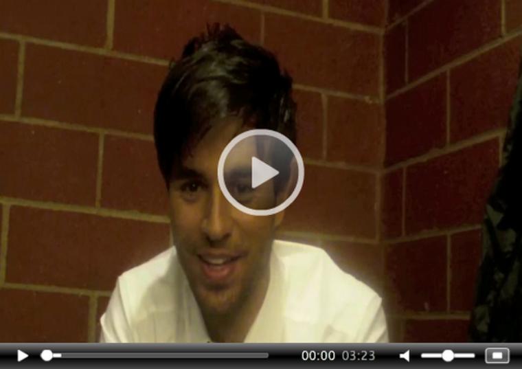 """. Découvrez une interview exclusive d'Enrique sur le tournage de son dernier clip """"Dirty Dancer"""".+ Clevver Music parle du tout nouveau clip du beau enrique (ce serait le clip le plus chaud de l'été) ."""