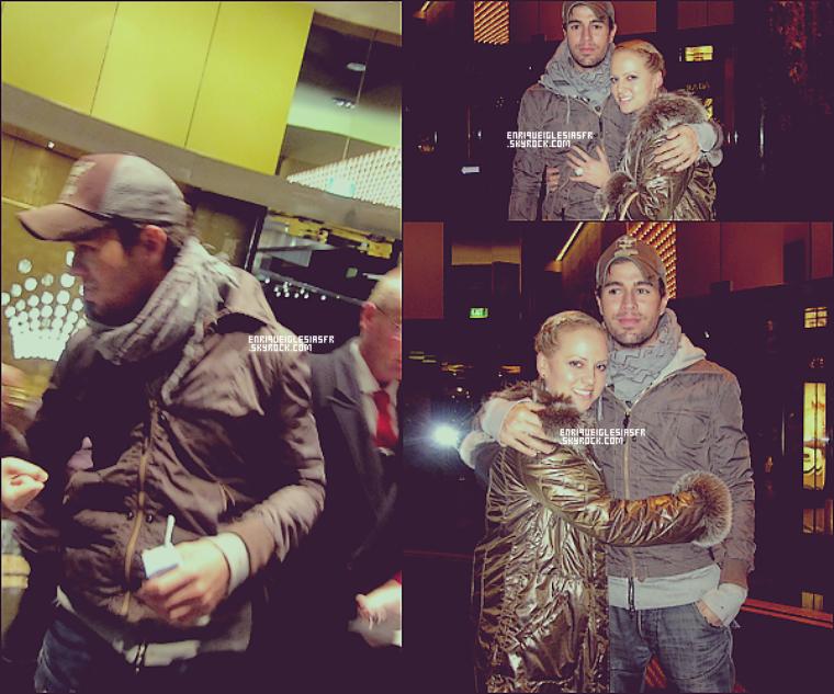 . Samedi 30 juillet: Enrique à été photographié par une fan , alors qu'il quittait son hotel a melbourne. .