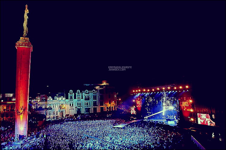 . _________Mardi 02 Aout - Enrique performe en Géorgie dans le cadre des MTV Live . .