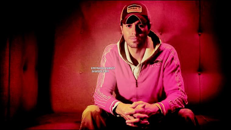 """. _______Enrique Iglesias est éxalté par sa tournée . . L'espagnol Enrique Iglesias a admis hier """"je suis heureux de partager la scène avec des amis talentueux"""", se référant a Pitbull et a Prince Royce, qui l'accompagneront pour son """"Euphoria World Tour"""" a Boston , Atlantic City , Chicago , Los Angeles et Las Vegas. «Je les admire, ils sont fantastiques"""", a déclaré Iglesias, dans des déclarations écrites. Le 22 Septembre, le fils du célèbre Julio Iglesias sera à Boston, le 23 à Philadelphie, 24 à Newark, dans 27 à Washington DC, 29 à Toronto et 30 à Detroit. Il sera aussi le 1er Octobre à Chicago, le 3 à Kansas City, 6 Los Angeles , 7 à San Jose, 12 et 13 à Houston à San Antonio , 15 à El Paso, 16 et 18 à Laredo, 20 à Atlanta, 21 à Orlando et le 22 à Miami. Il se produira également le 2 septembre à Saint-Domingue. ."""