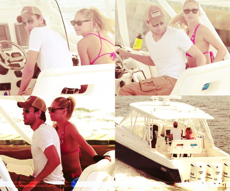 06 Mai 2013 - Enrique à était aperçus sortant d'un restaurant accompagné de quelques amis a Miami.