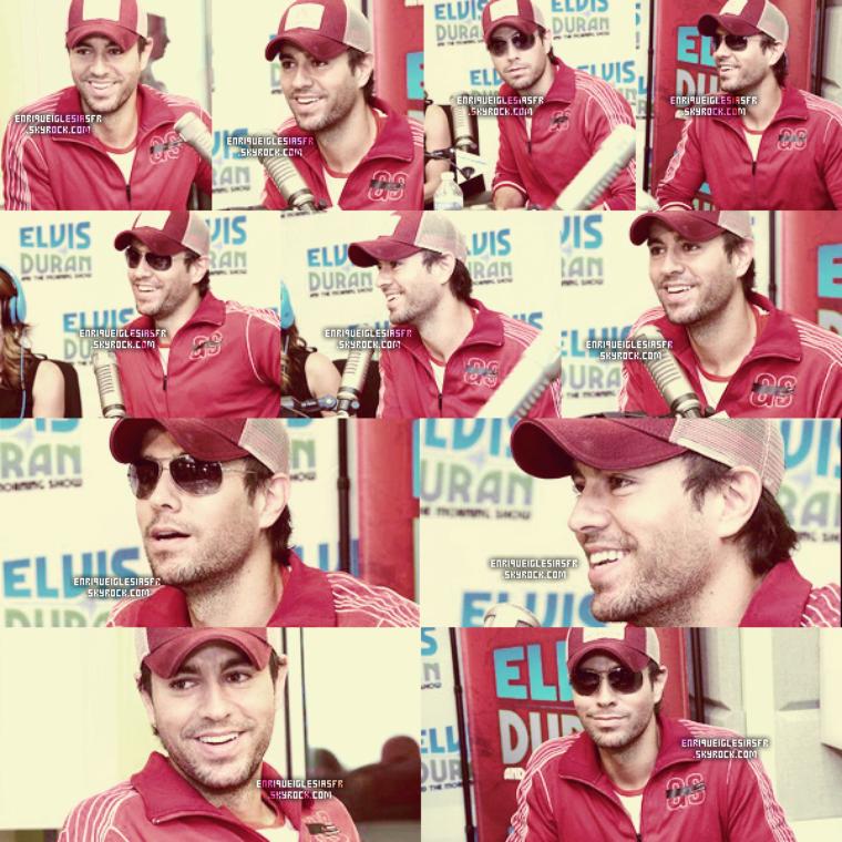 """22/07/13 : Enrique était a l'émission d'Elvis Duran pour l'avant première de son nouveau titre """"Turn The Night Up"""". Enrique était vétus d'une tenue simple dans l'ensemble toujours avec sa casquette """"Atlantico Rum"""" dont il est égérie de la marque."""