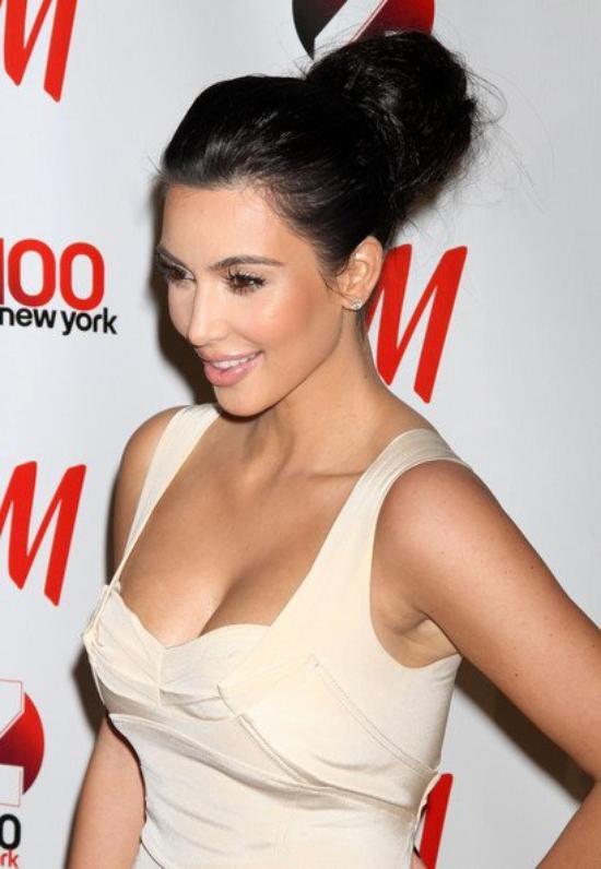 l'indémodable e l'indétrônable  chignon  inspirer  par kim kardashian s'adapte é s'adopte +info