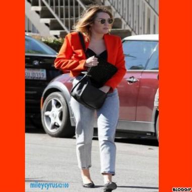 Miley Cyrus vue en flag le 16 fevrier 2012 ! top/flop ?