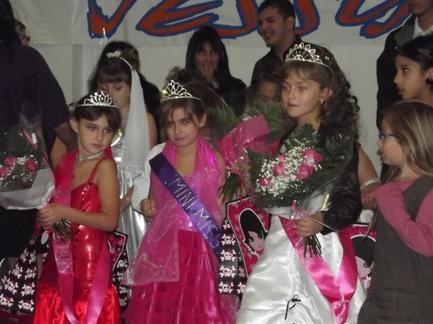Election de mini miss association parents et amis de jessy 2011