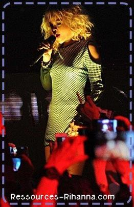 Grand article ; interview de Rihanna aux grammys 2012 ; performance de Rihanna au concert de charité avec 'Where have you been ' & ' We found Love '  ( C'est la vidéo qui à la meilleure qualité ) !