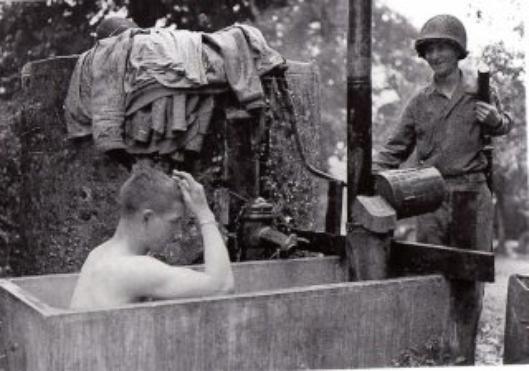 la douche modèle 1944