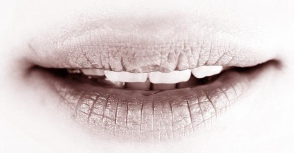 Prière de frotter vos lèvres