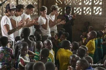 Kids in Ghana (Africa) Singing Stand Up and One Thing - One Direction