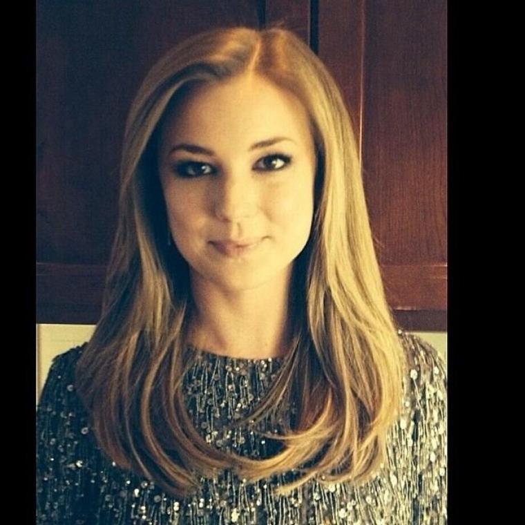 My favourite actress <3 *O* Emily vancamp !!
