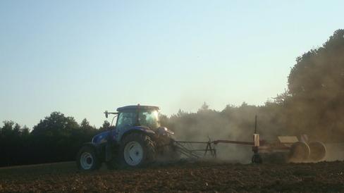 Prépration des terres le Vendredi 19 Août 2011 ...