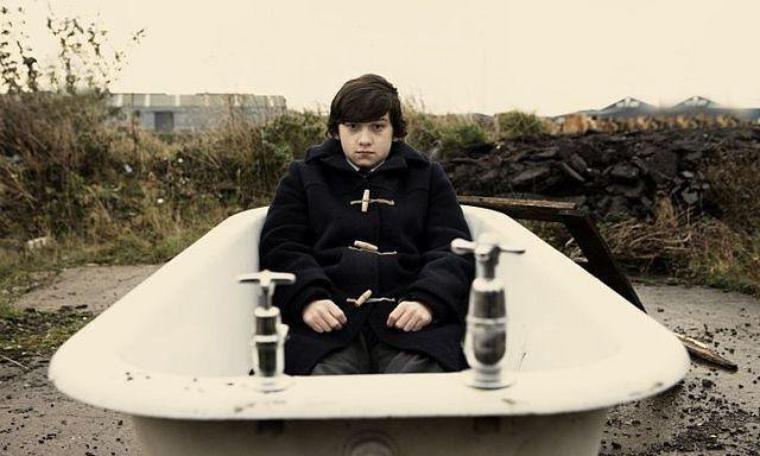 Submarine / Alex Turner - Hiding tonight (2010)