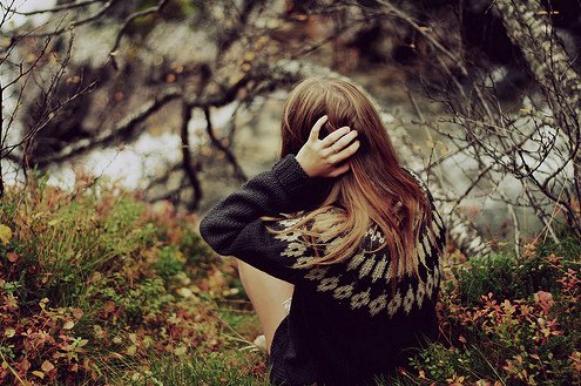 Ton depart, je l'ai pleurer durant des mois, jour et nuit. J'en ai vraiment souffert, oui c'est vrai. A ce jour, tout est finis. J'ai compris que quoique je puisse dire tu ne reviendras jamais, que j'peux toujours hurler au manque, jamais tu ne m'entendras. J'pense qu'il est tout simplement temp pour moi de tourner la page. Mais on ne pourra jamais combler le vide que tu as laisser en moi. Tu me manque vraiment et pour toujours.