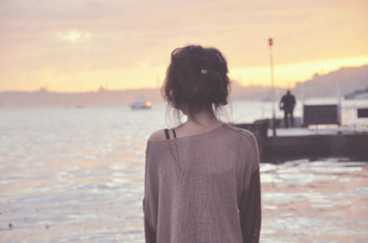 Tu as brisé mes rêve. Fais pleurer mon âme, mais je t'aime encore.