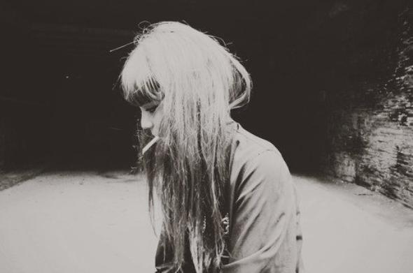 Il n'y a rien de pire que d'aimer quelqu'un qui n'arrête pas de vous décevoir.