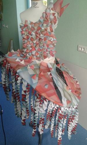 Costume - Robes de défilé en papier peint