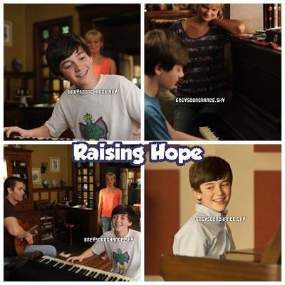 •Le 2 Septembre | Greyson sera dans une série nommé Raising Hope , il jouera du piano /