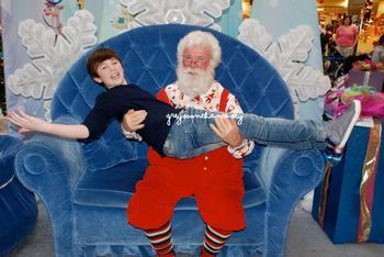 Greyson avec le père Noel.