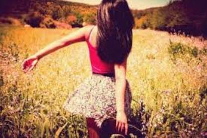 Le meilleur moyen de réaliser l'impossible est de croire que c'est possible. ಌ -Alice au pays des merveilles-