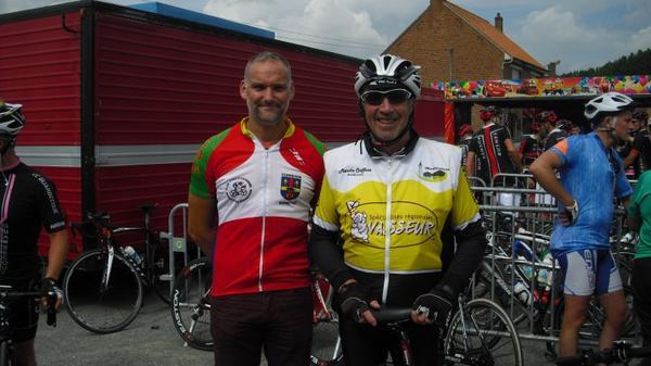 Brevet  cyclo de Busnette 660 participants avec le président  Phillipe et mon ami J-B