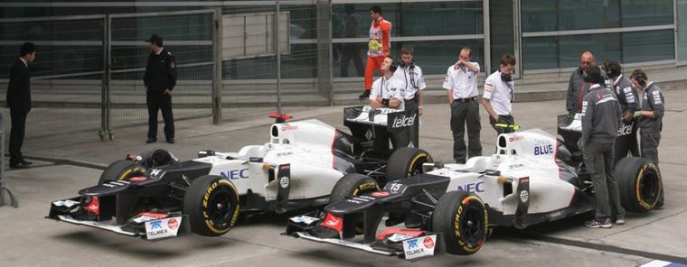 GP de Chine - Essaais libre 1: L. Hamilton devance les Mercedes AMG
