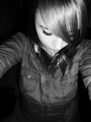 Dis, ça te dis de m'aimer et de me rendre heureuse, pendant longtemps.. ?♥